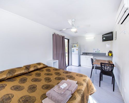 cabin-with-verandah-2