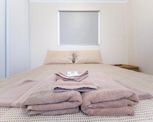 one-bedroom-with-carport-9